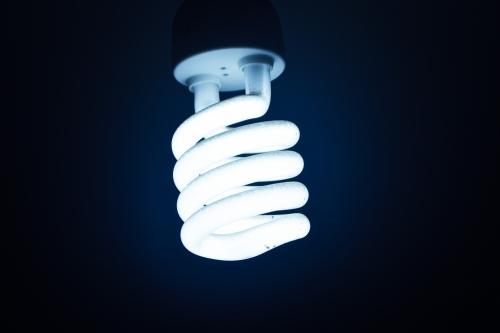 white-cfl-bulb-542619